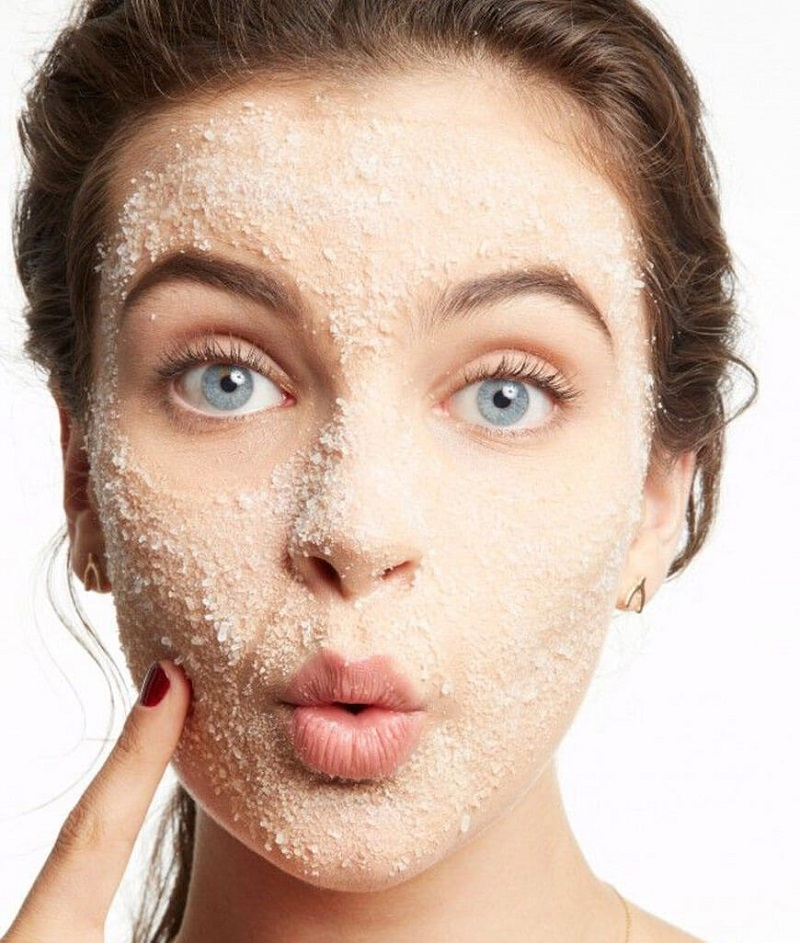 Natural Olive Oil and Sugar Scrub for Dry Skin