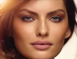Corrective Make-up and Golden Make-up