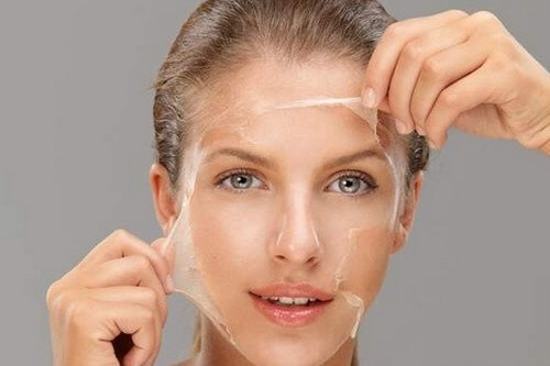Potato with Egg White lightens the skin and gets rid of wrinkles