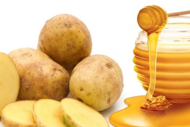 Potato with Honey to get skin whitening