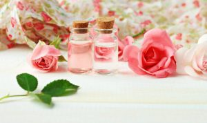 Rose Water Benefits: Antioxidants To Anti-Aging Oily Skin Dry Skin & Hair