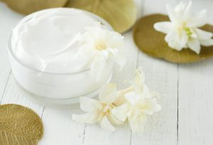 Top 10 Homemade night creams with natural ingredients for beautiful skin